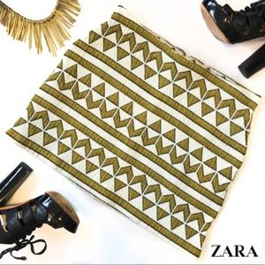 ZARA Gold & White Tribal-Print Mini Skirt Size S